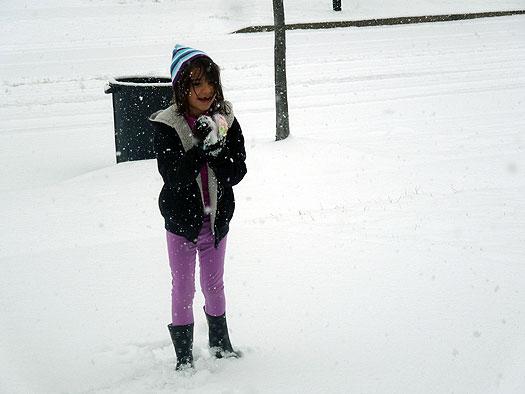 Zoe in snow