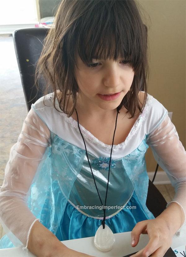 0512-girlinelsadress
