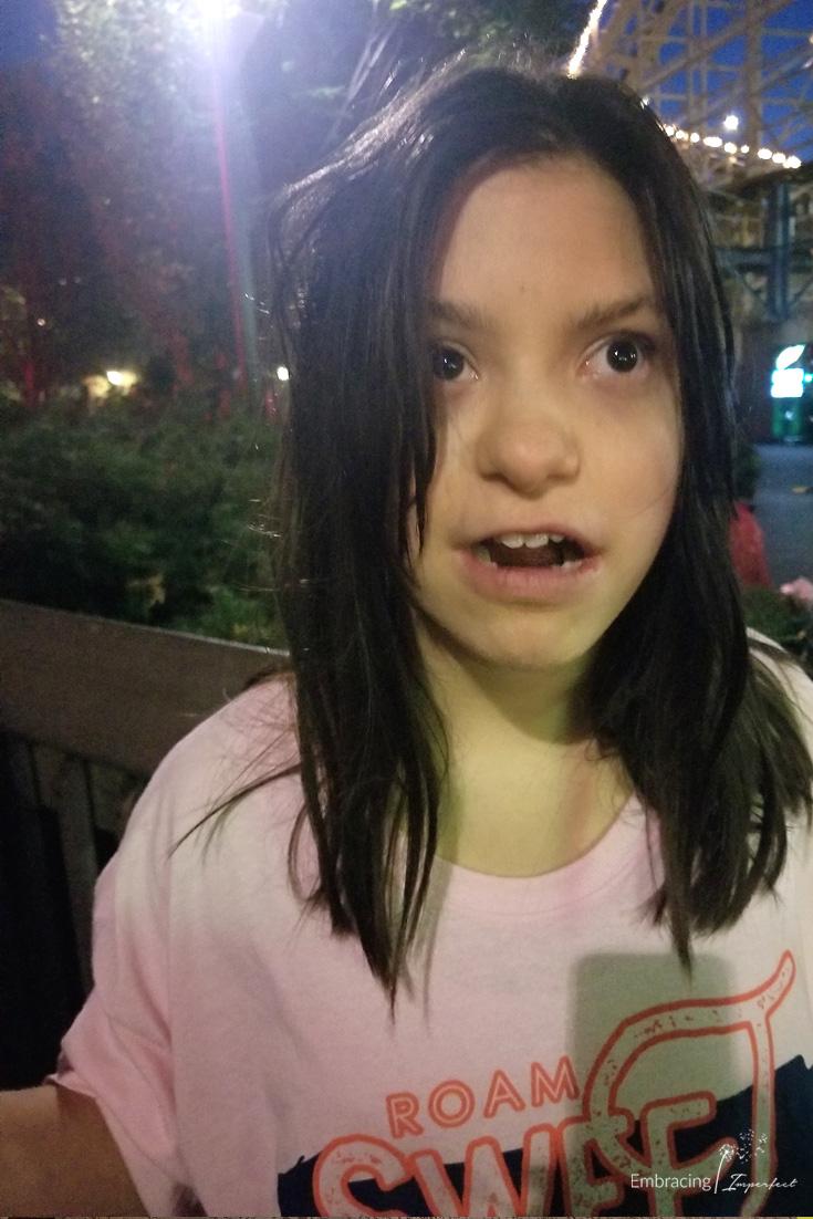 Amelia's reaction to hersheypark in the dark