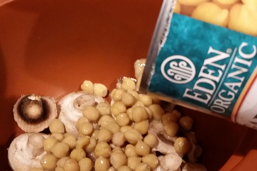 0218-garbanzo-beans